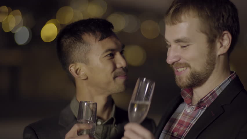 video clip stock fooe couple enjoy happy hour date rooftop they