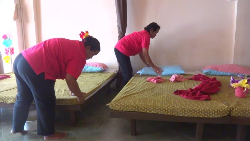 ko massage phonthip thai