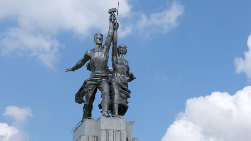 Rabochiy i Kolkhoznitsa monument, side view, time lapse - HD stock video clip