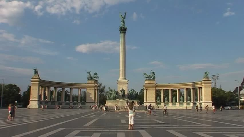 Heroes Square, Budapest (Hungary) - SD 16:9, Panasonic NV-GS500 (3 CCD) - SD stock footage clip