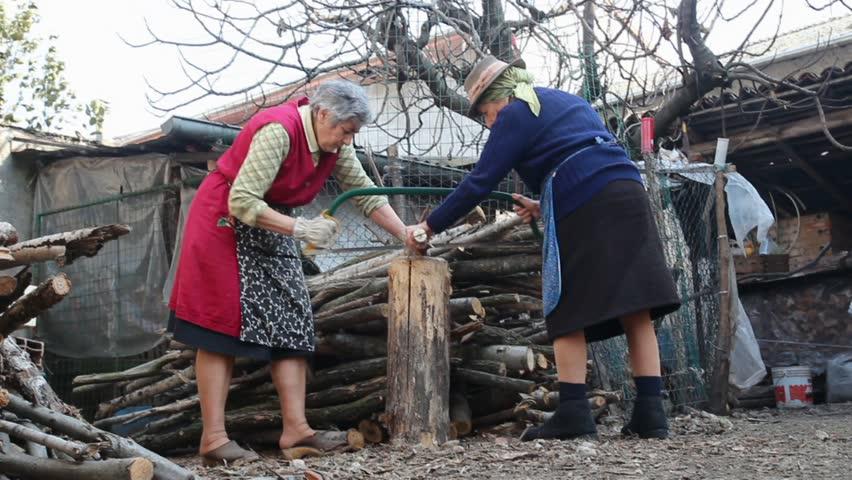 nenets woman cutting firewood - photo #22