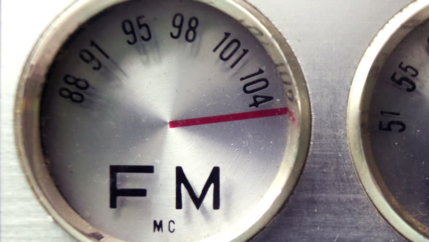 differences in radio am and fm essay Other wet areas provide good reflection of radio heard in many more places than transmissions on vhf fm reflection, refraction, diffraction of e/m.