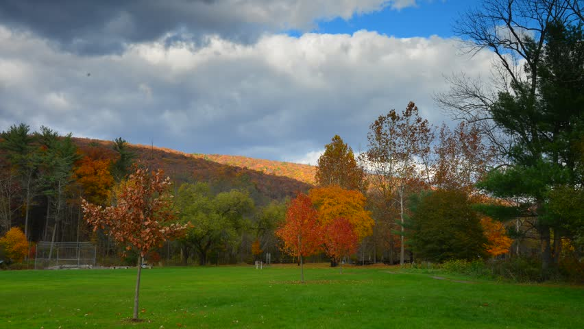 Spectacular timelapse of fall Foliage landscape panorama in Pennsylvania, USA time lapse.