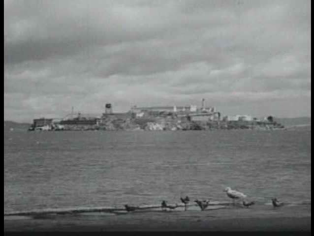 1940s - A guy with a thick Brooklyn accents gives us a tour of San Francisco in 1947.
