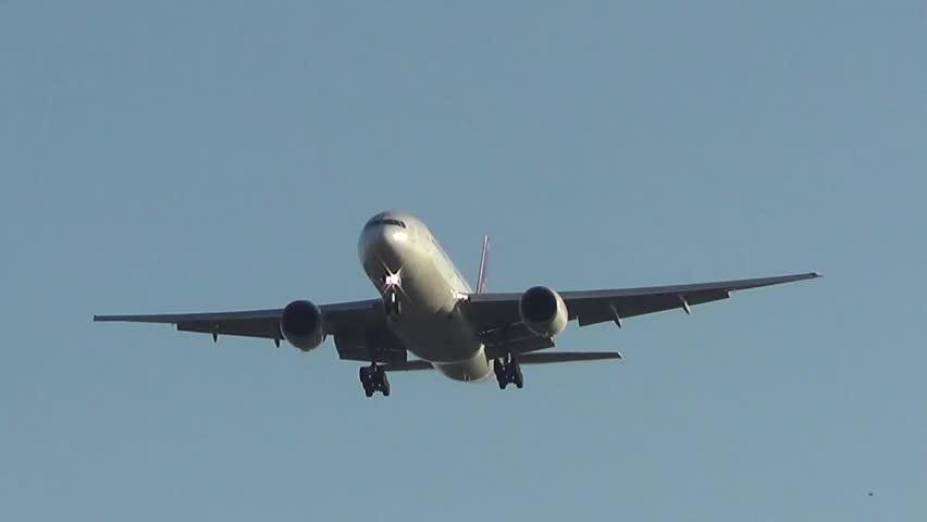 THAILAND / CHIANGMAI - DECEMBER 15 2013: Boeing 777-200 HS-TJA of Thaiairway. landing to Chiangmai airport from Bangkok Suvarnabhumi, thailand.