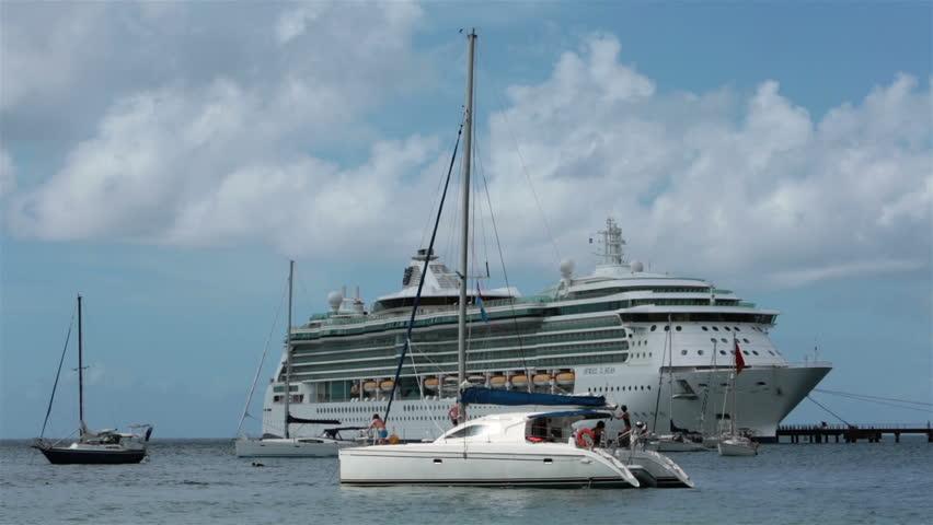 Fort de france martinique jan 2014 martinique cruise for Balustrade mezzanine fort de france