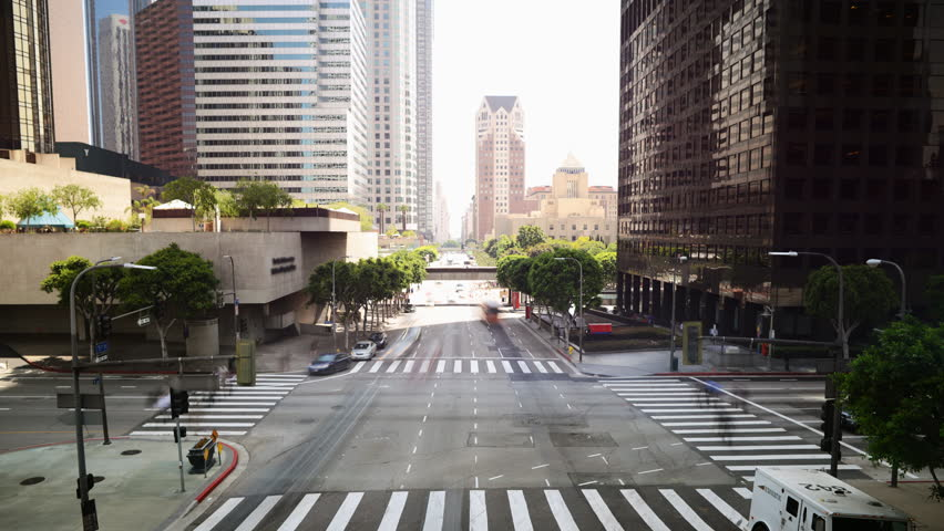 4K Time Lapse of Downtown Intersection in Los Angeles in Daytime -Tilt Down-
