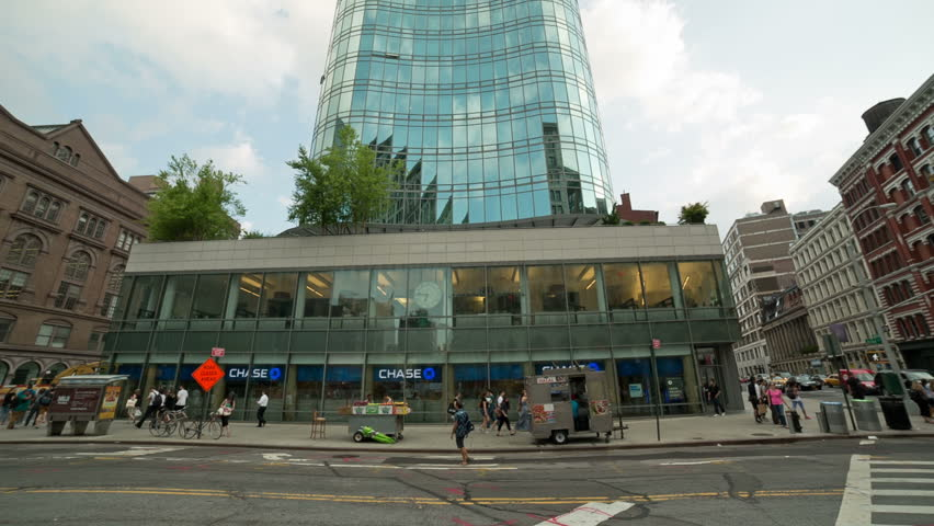 New york july 22 2014 chase bank in cooper square new for Coopers east village