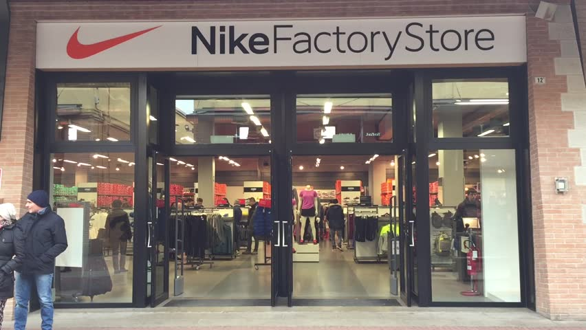 What Shoe Stores Are In Cumberland Mall