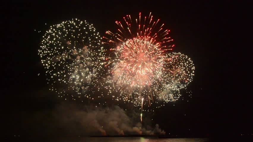 Continuously colorful spectacular firework display