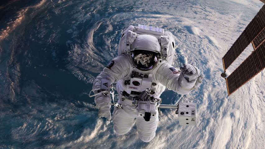 astronaut behind - photo #8